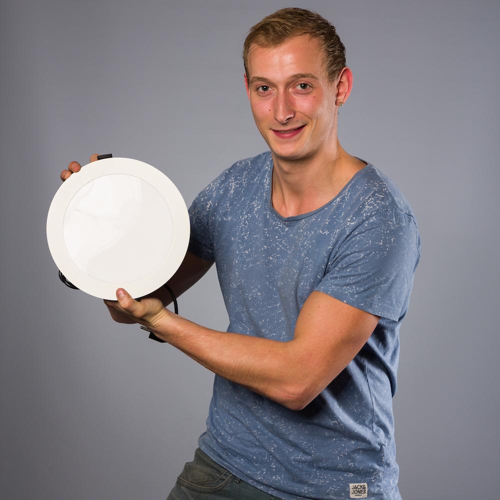 Nicky Molendijk - medewerker logistiek bij het team van Muller Licht